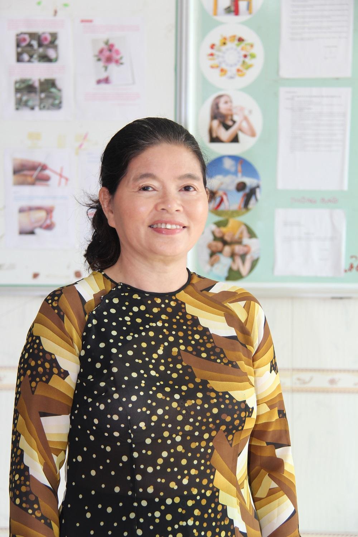 Cô Đinh Thị Xuân Dung