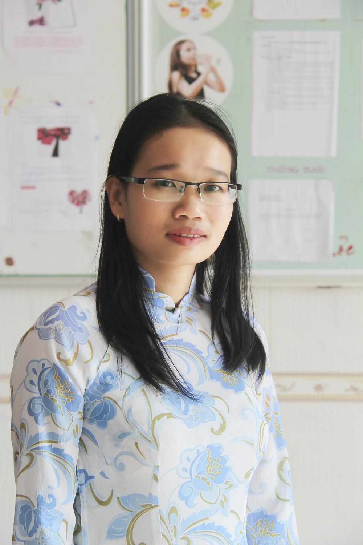 Cô Lê Thị Thu Hồng